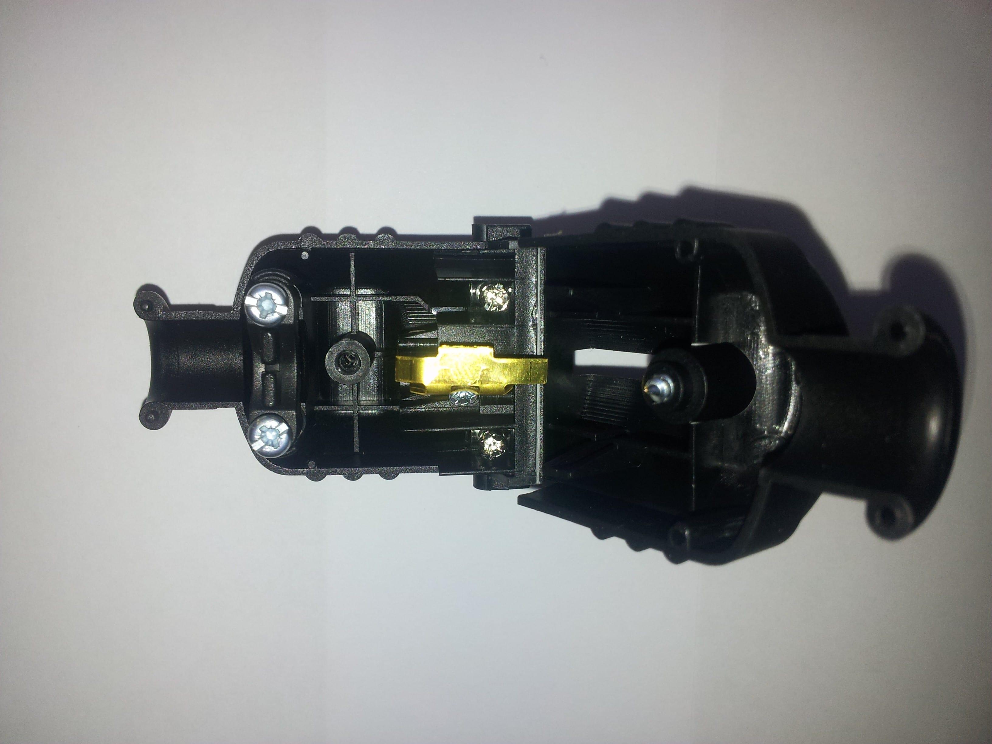 schuko stecker stecker anklemmen stecker anschliessen. Black Bedroom Furniture Sets. Home Design Ideas