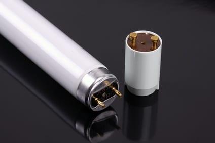 Leuchtstoffröhre durch LED ersetzen