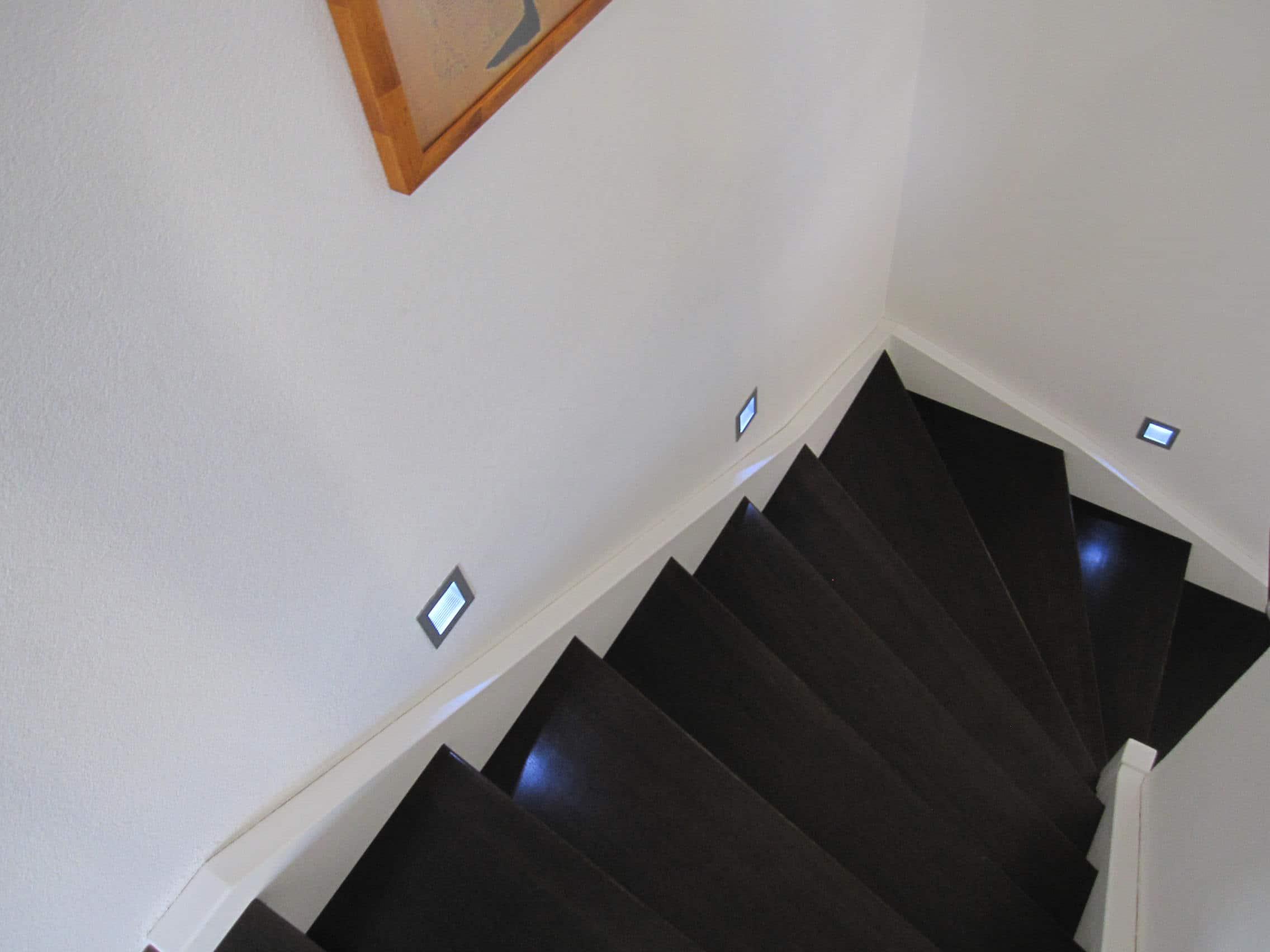 Wandleuchte treppe die sch nsten ideen f r deine treppenbeleuchtung - Wandleuchte treppenaufgang ...